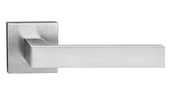 Дверная ручка Tupai Square 2275 Q матовый хром (96)