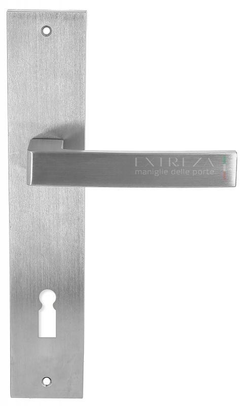 """Дверная ручка Extreza Hi-Tech """"ENZO"""" (Энзо) 117 на планке PL11 матовый хром F05"""