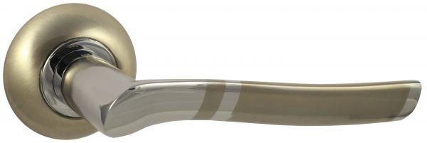 Дверная ручка VANTAGE V77DAL на круглой розетке SN матовый никель